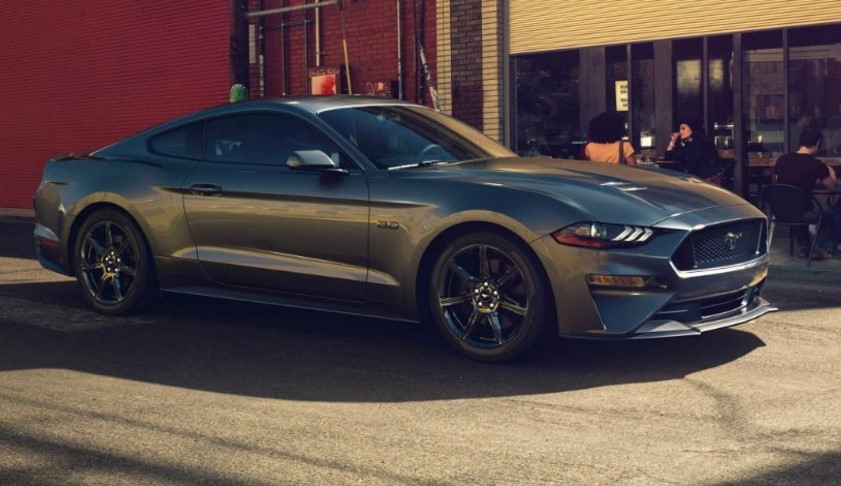 2018 Ford Mustang Convertible8