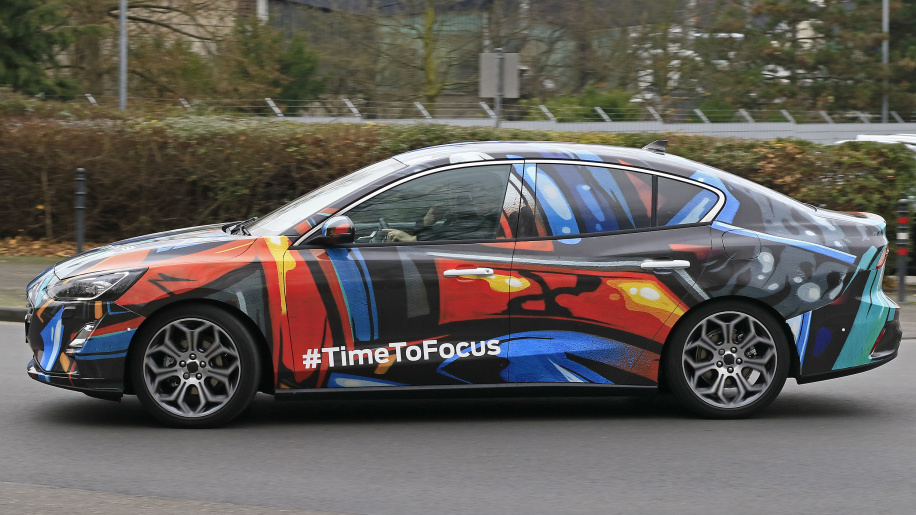 2019 Ford Focus Sedan3
