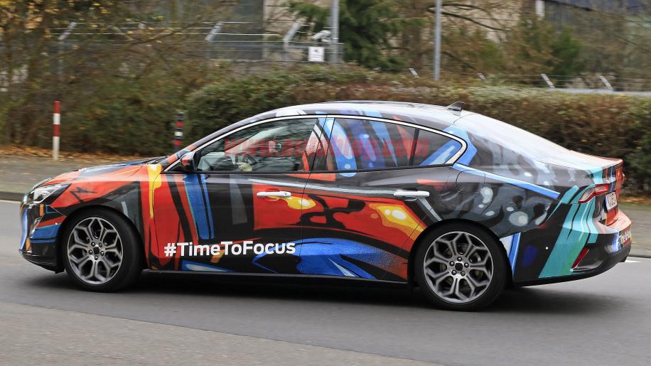 2019 Ford Focus Sedan4