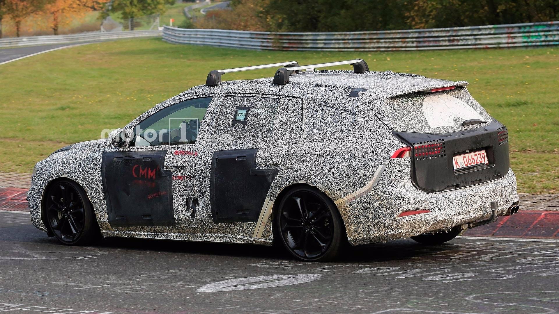 2019 Ford Focus Wagon7