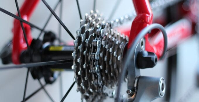 What's The Difference Between A Road Bike And A Gravel Bike